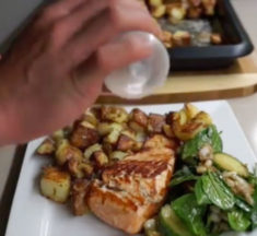 In the Kitchen with Supps R Us: Eddy's Salmon, Potatoes & Salad